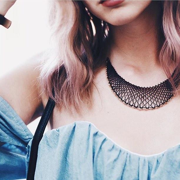 Inlace Jewelry_bekleidet